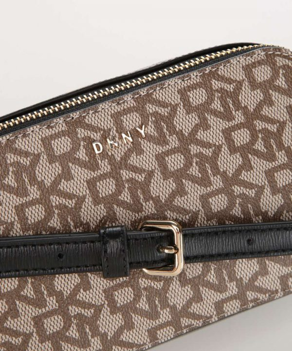 dkny bryant shoulder bag black beige r01ejg86 b8q 34